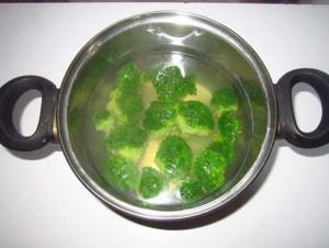 приварить брокколи