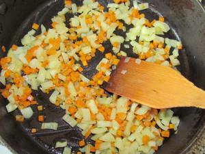 обжарить овощи