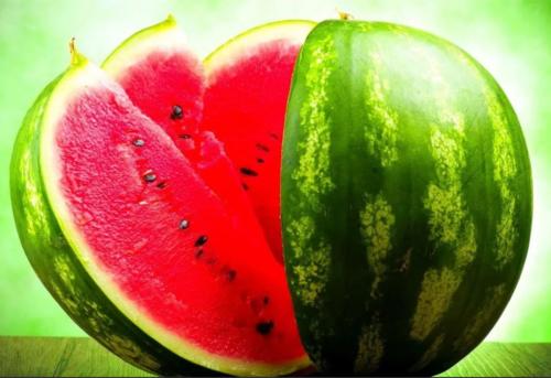Калорийность арбуза и дыни: можно ли есть при диете?