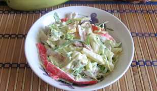 Необычный салат с сыром сулугуни