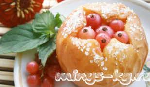 Запеченные яблоки в духовке с творогом и медом — рецепт с фото