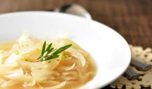 Как похудеть с помощью лукового супа