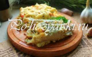 Запеченный под сыром хек с овощами в духовке — рецепты с фото
