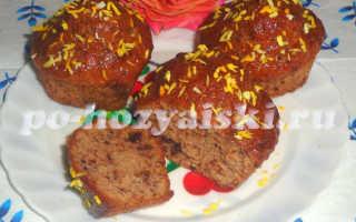 Шоколадные кексы в силиконовых формочках с персиковой глазурью
