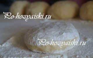 Как приготовить дрожжевое тесто на сметане для пирога и пирожков
