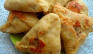 Треугольники с мясом и картофелем, или эчпочмак по-татарски