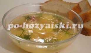 Очень простой гороховый суп с тушенкой