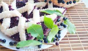 Как приготовить ароматный пирог с черемухой