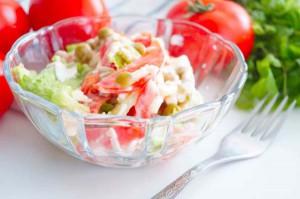 диетический салат с помидорами