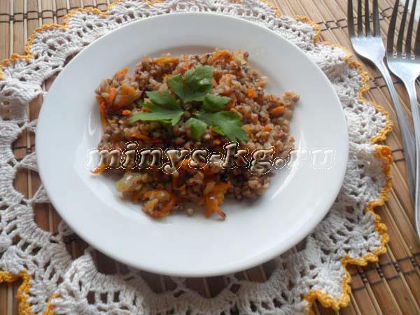 гречка с луком и морковью